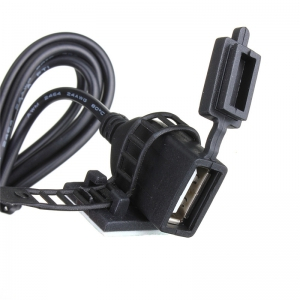 USB-порт для подзарядки смартфона/навигатора